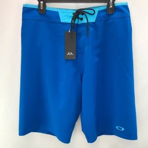 Oakley Vault Performance Fit Swim Board Shorts 32